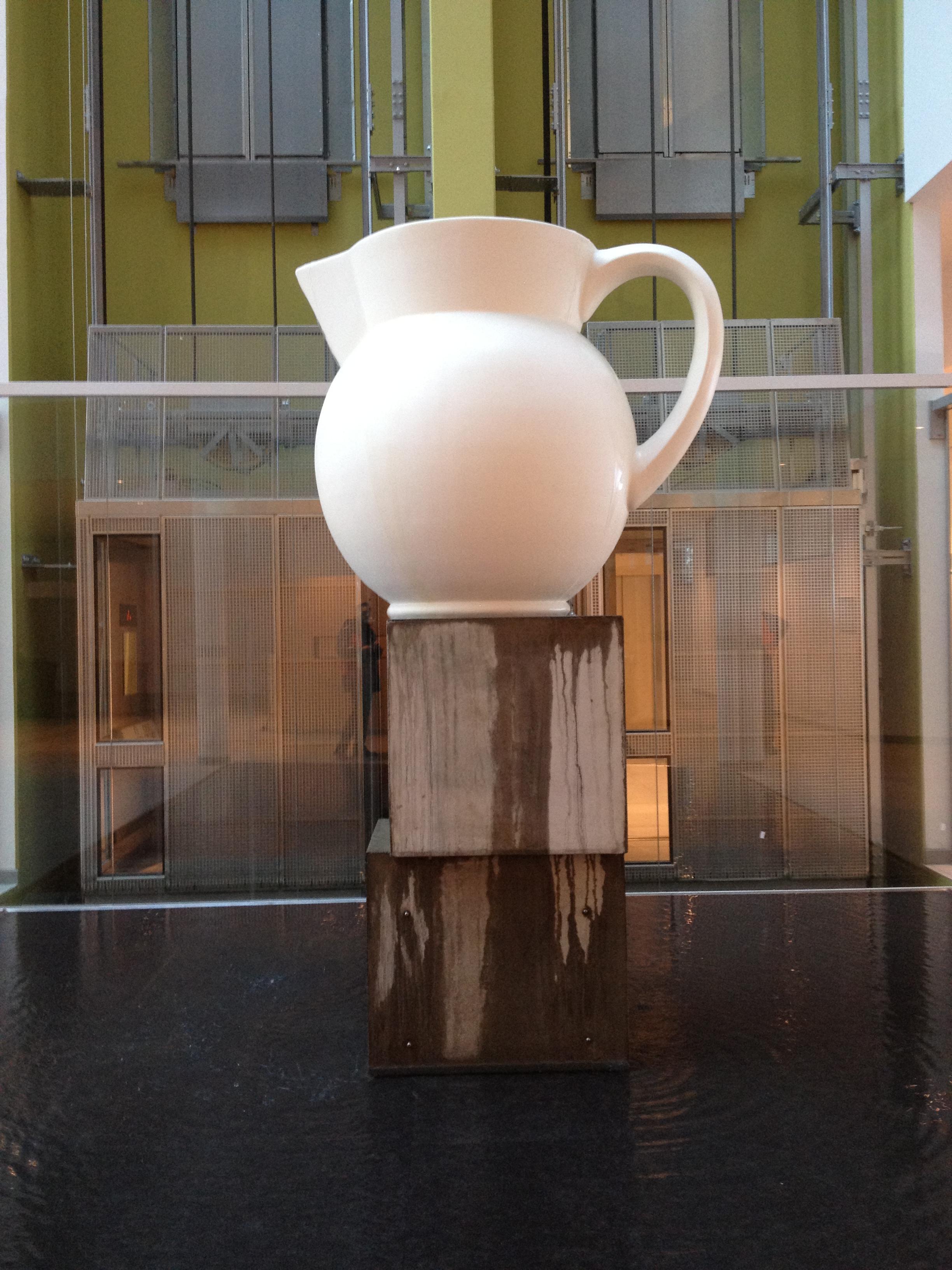 Konst har förstås en självklar plats i nya Pyskiatrins hus. Anders Widoff heter konstnären.