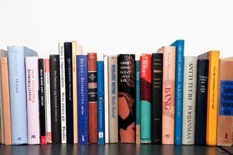 Läs en bok och koppla av!